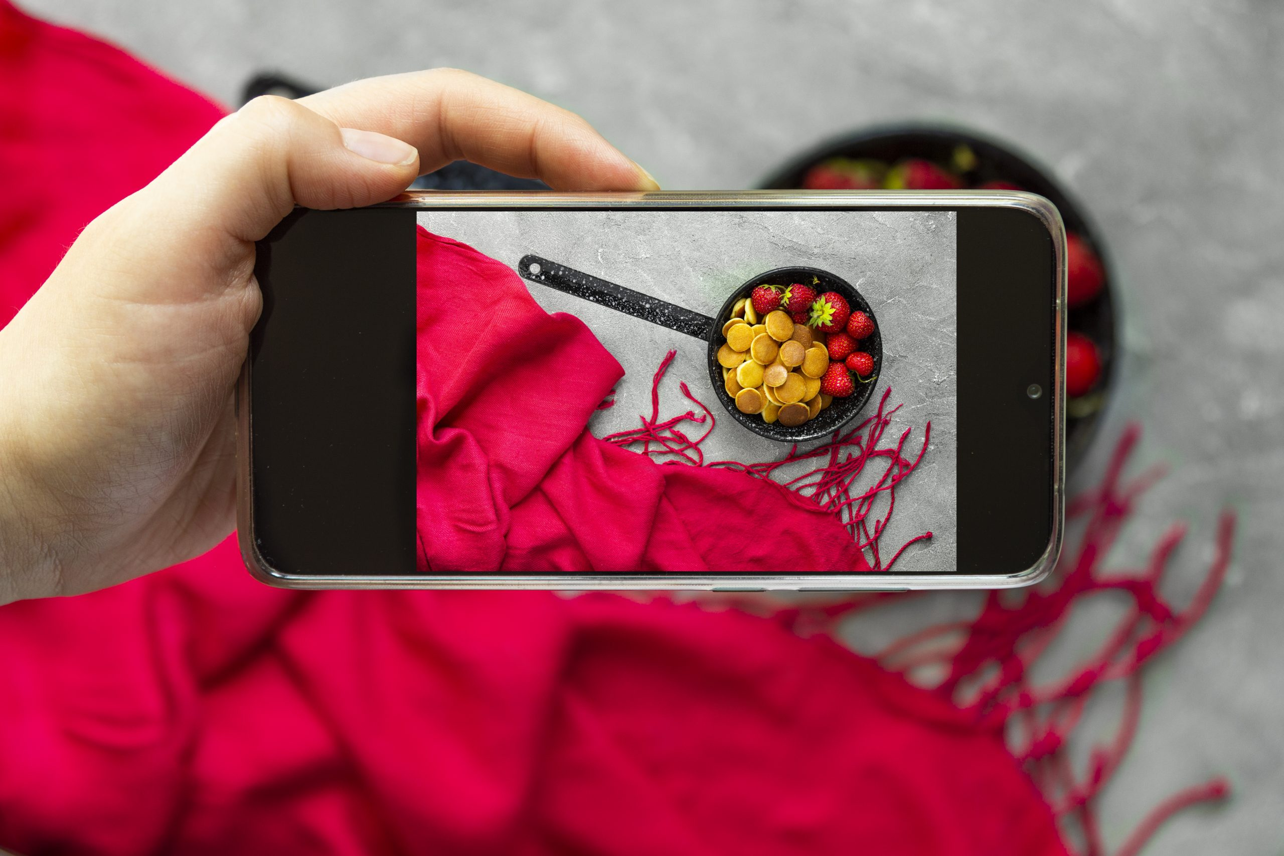 How to Take Attention Grabbing Product Photos with Smartphones?