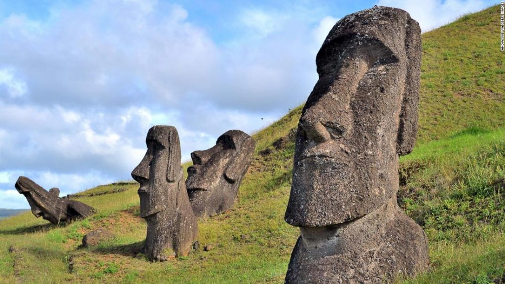 clipping-amazon-Easter Island