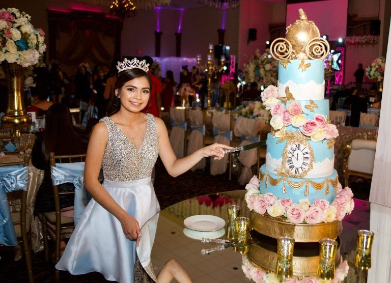 traditions-of-quinceanera-clipping-amazon