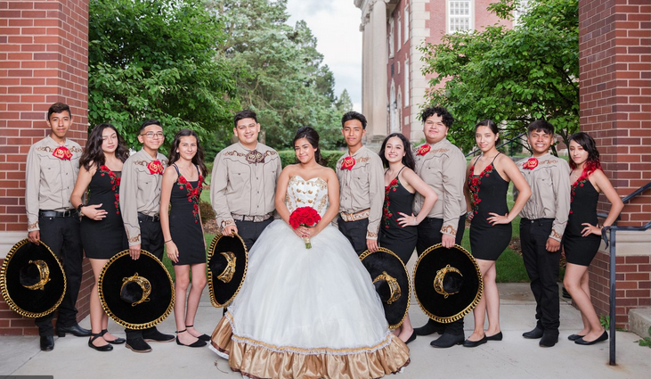 quinceanera-clipping-amazon