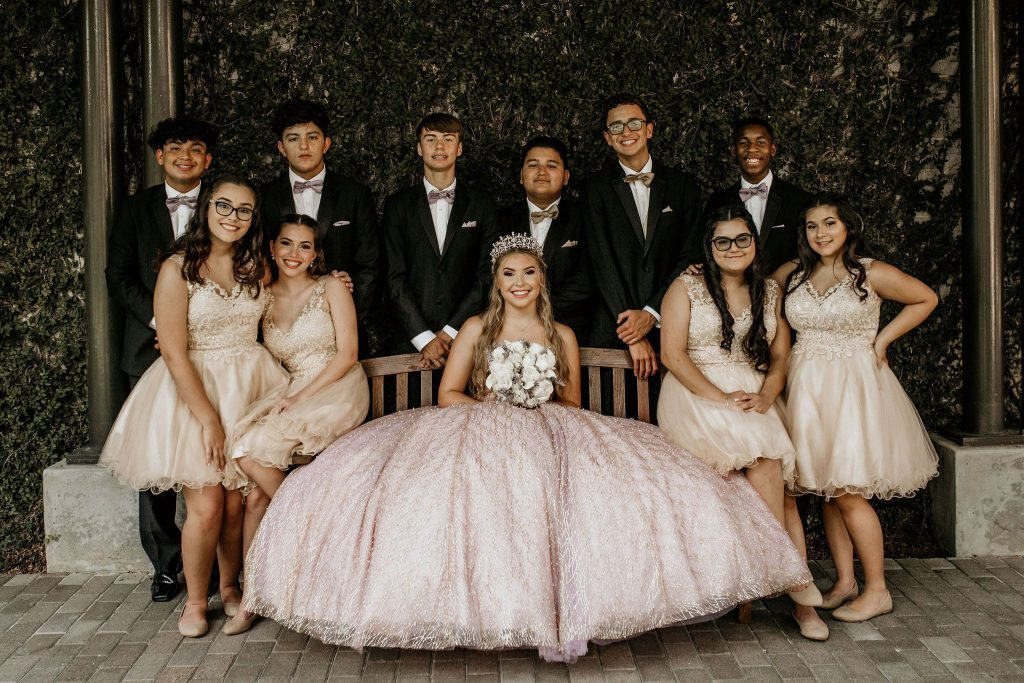 quinceanera-court-clipping-amazon